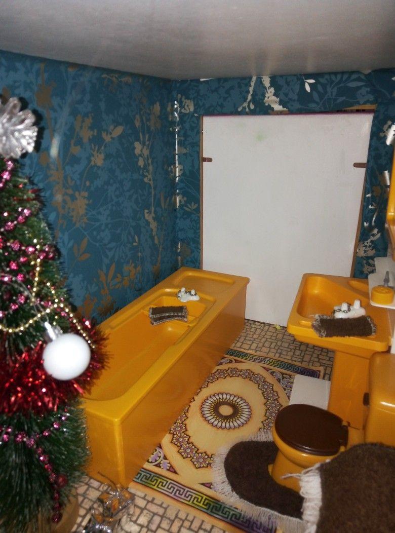 Fab Old Bathroom Suite In Retro Yellow Old Bathrooms Retro