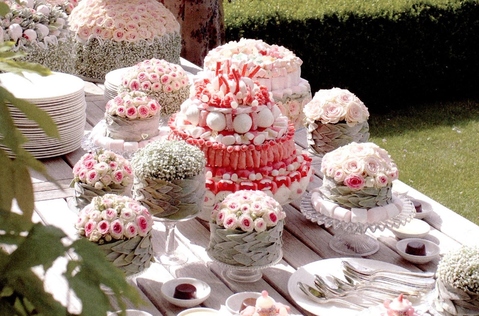Floral dessert table wedding cakes dessert candy tables