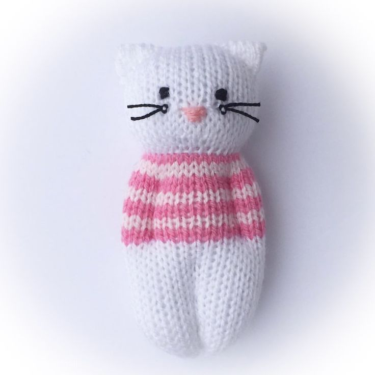 Ravelry: Kitty Friends von Esther Braithwaite - #Braithwaite #Esther #Friends #Kitty #Ravelry #von - #Sewingtoys #knittedtoys