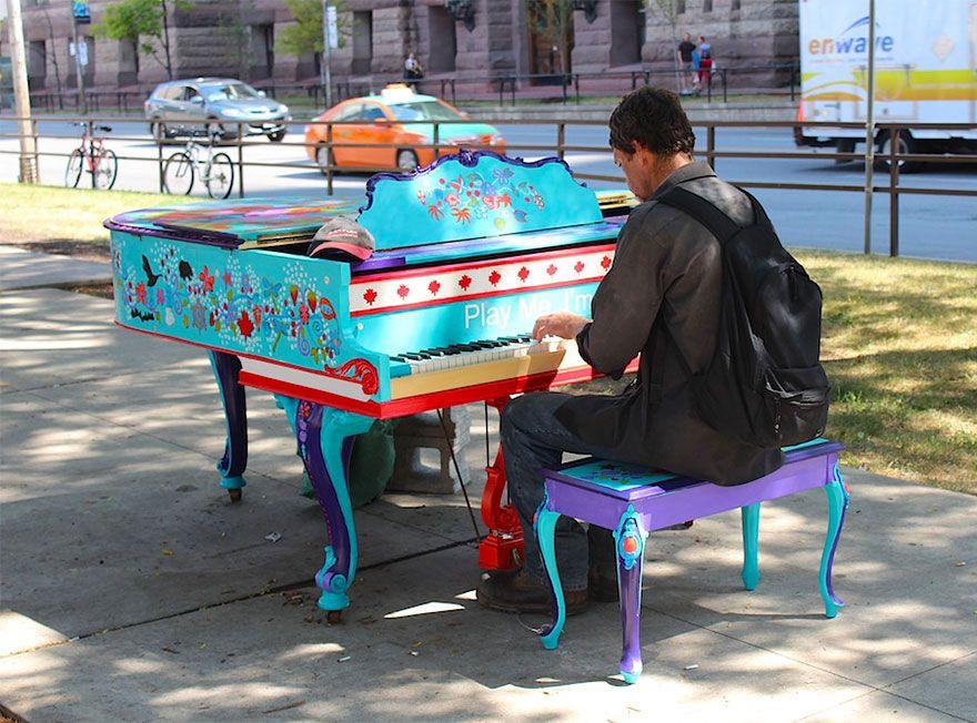 70 pianos hauts en couleur qui donnent envie aux passants - Laisser libre cours a son imagination ...