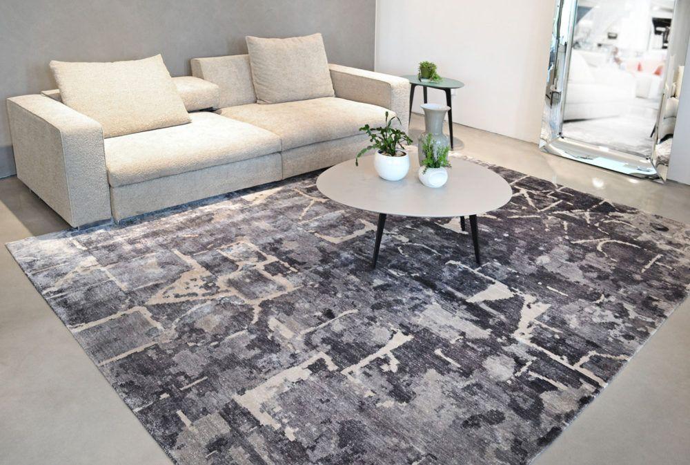 I tappeti moderni della collezione Nika sono caratterizzati da un ...