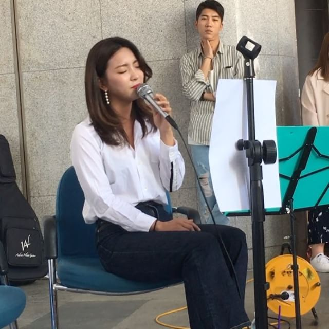 170506 @u_m_c_z(Busking)'s Instagram Update with Luna at Paralympic Winter Games Busking Concert Caption: '시간이었다' 💕 Bless thee with Lulu angelic voice #luna #루나 #parksunyoung #sunyoung #선영 #박선영 #amber #amberliu #엠버 #yiyun #liuyiyun #일운 #류일운 #fx #에프엑스 #meus #meu #미유 #busking #버스킹 #paralympicwintergames