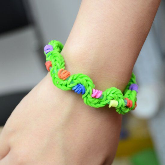 There Are Lots Of New Rubber Band Bracelet Designs Here I Will Teach You Make Twist Bracelets Pandahall Learning Center