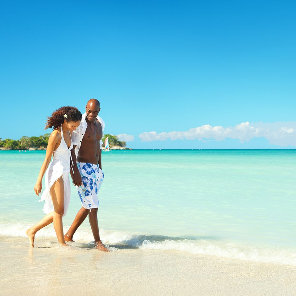 Vacation Package Deals Delta Vacations Best Places To Honeymoon Couples Resorts Couple Getaway