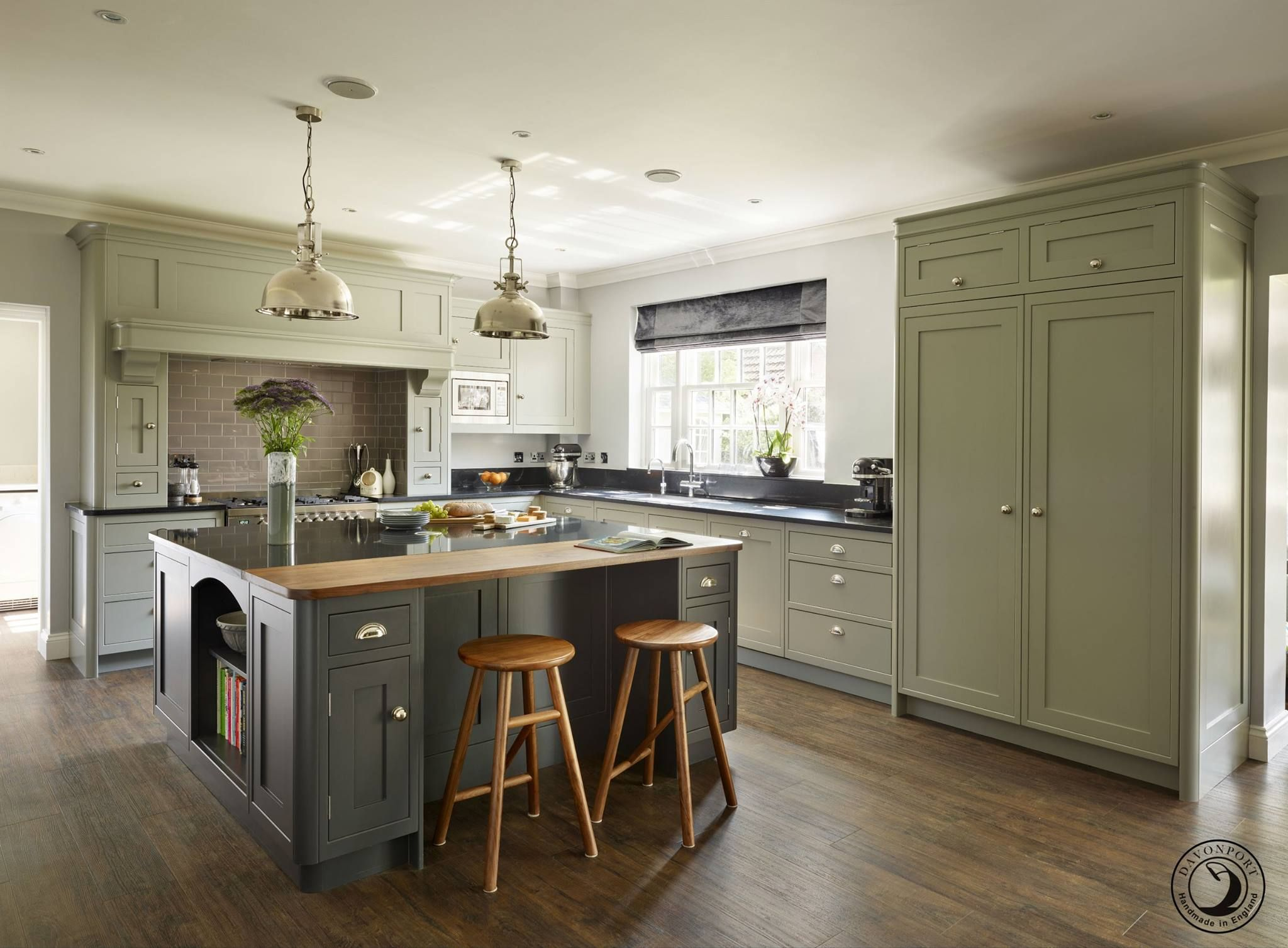 Modern Country kitchen in 2019 | Sage kitchen, Modern ...