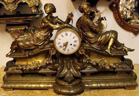 Eine Schone Franzosische Kaminuhr Tischuhr Mit Schlag Aus Feuervergoldete Bronze Uhrwerk Japy Freres Amp Cie Exposition 185 Kaminuhren Uhrideen Uhr