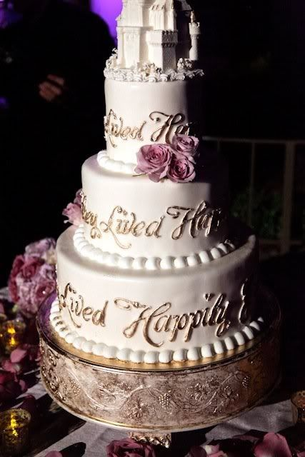 Disney Wedding Cake Awe And They Lived Happily Ever