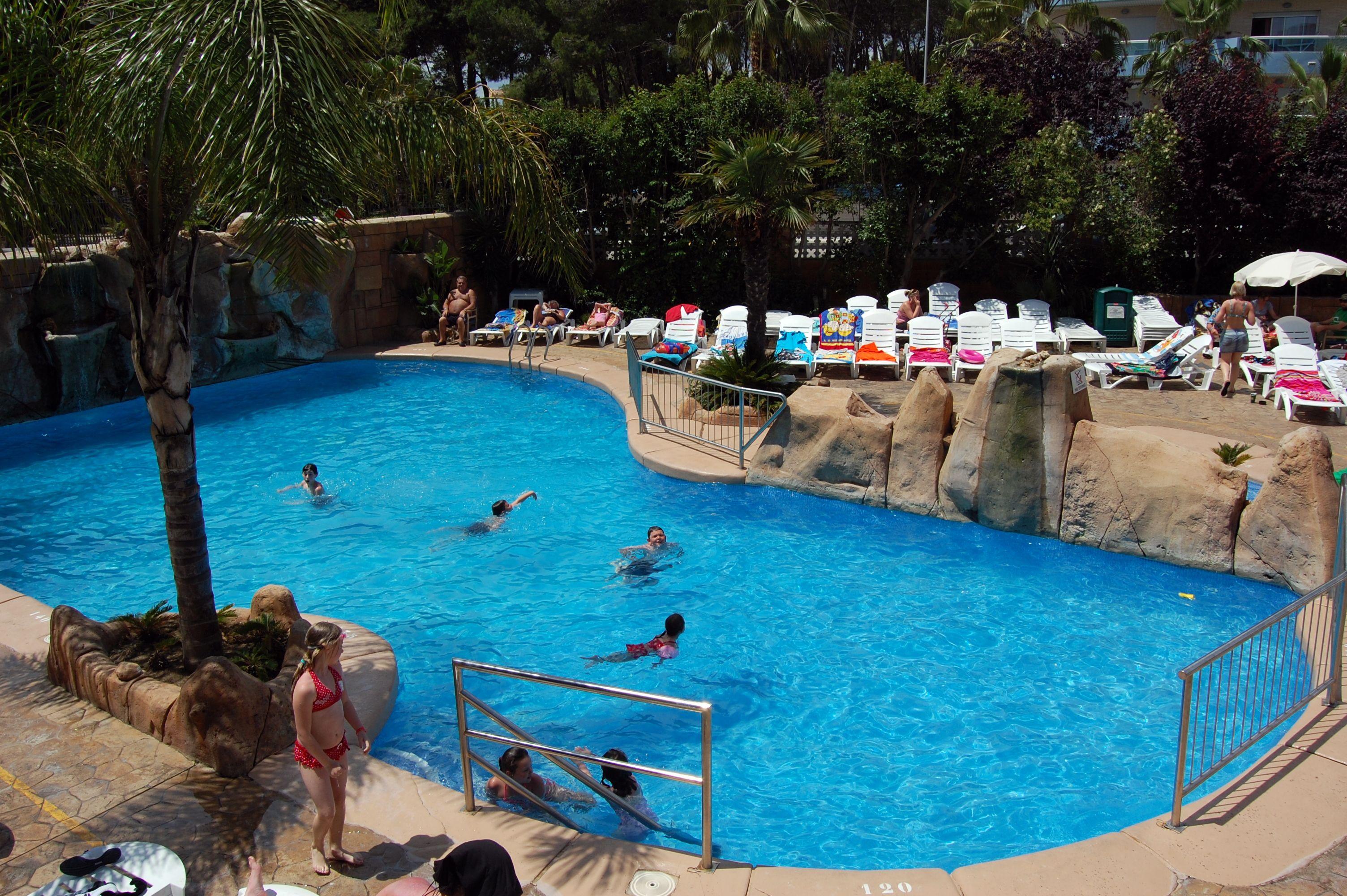 Waterfall swimming pool hotel villamarina club salou - Hotels in madrid spain with swimming pool ...