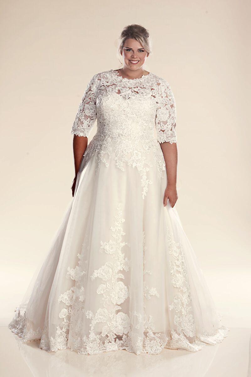 Wedding Dress With Sleeves Paris Plus Size Bridal Gowns Leah S Designs Plus Size Wedding Dresses With Sleeves Simple Wedding Gowns Wedding Dresses Plus Size [ 1200 x 800 Pixel ]