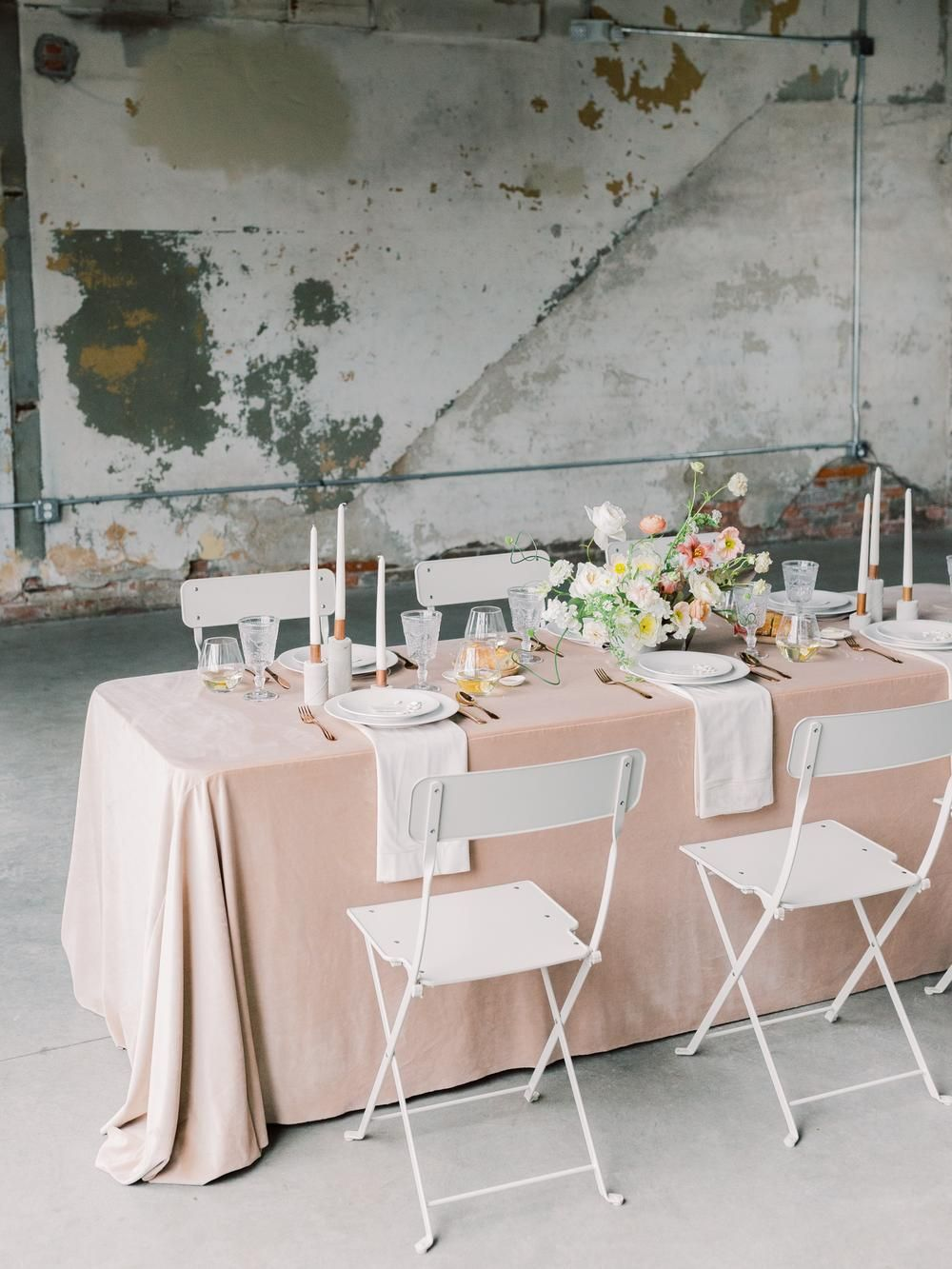 Industrial Chic Wedding Inspiration At Strongwater Events In Columbus Ohio Industrial Chic Wedding Evergreen Flowers Industrial Chic