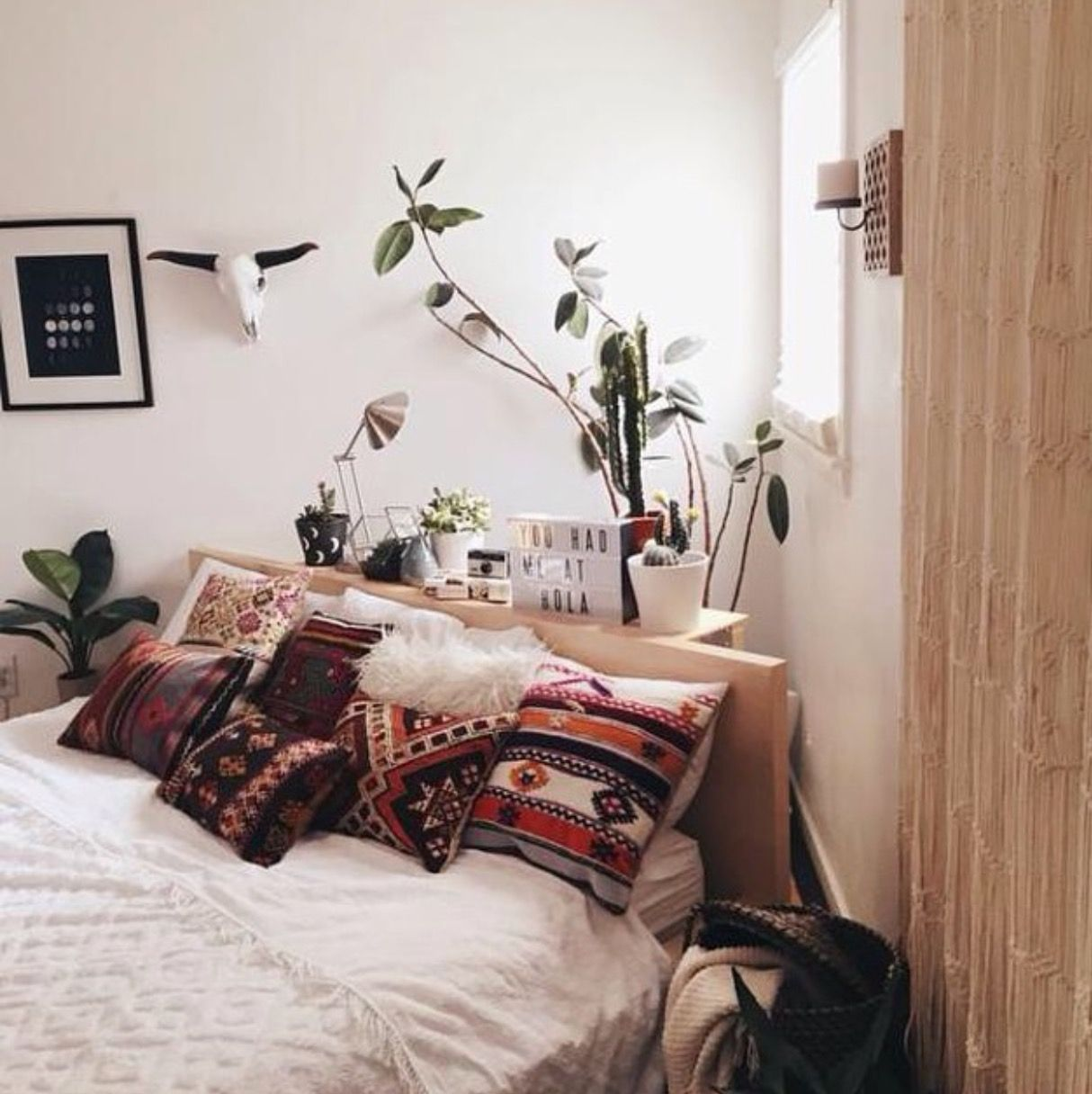 Plants in the bedroom diagonal bed placement not a fan home