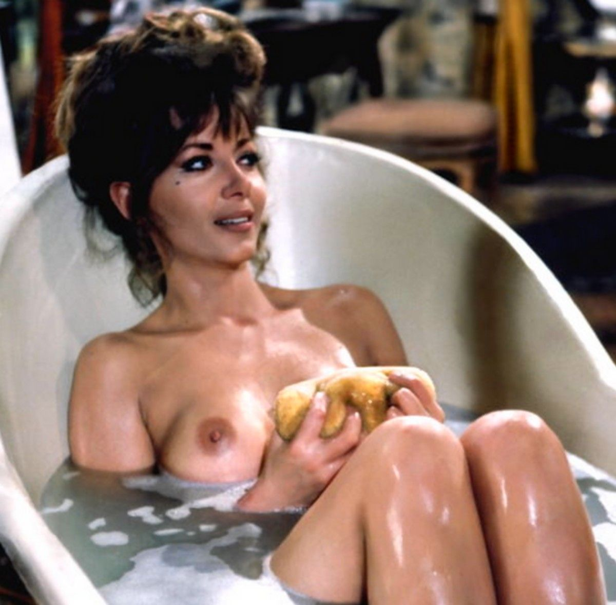 Ingrid pitt nackt