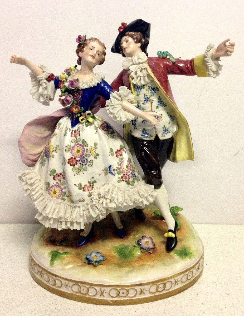 Muller Volkstedt MV, Dresden Porcelain Manufactory (Germany) — Cavalier and Lady,1762  (926x1200)