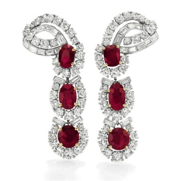 ★The Elizabeth Taylor Ruby and Diamond Earrings.