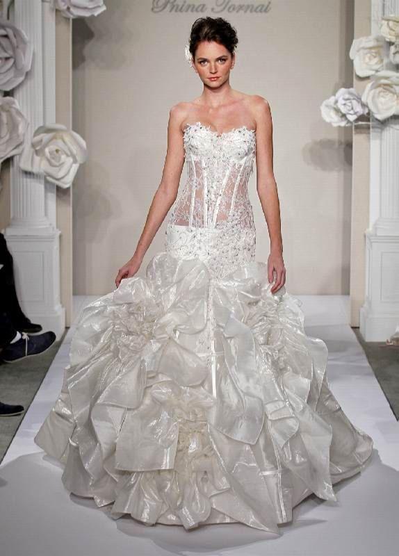 Pnina Tornai dresses! Style #4200 http://www.pninatornai.co.il/eng ...