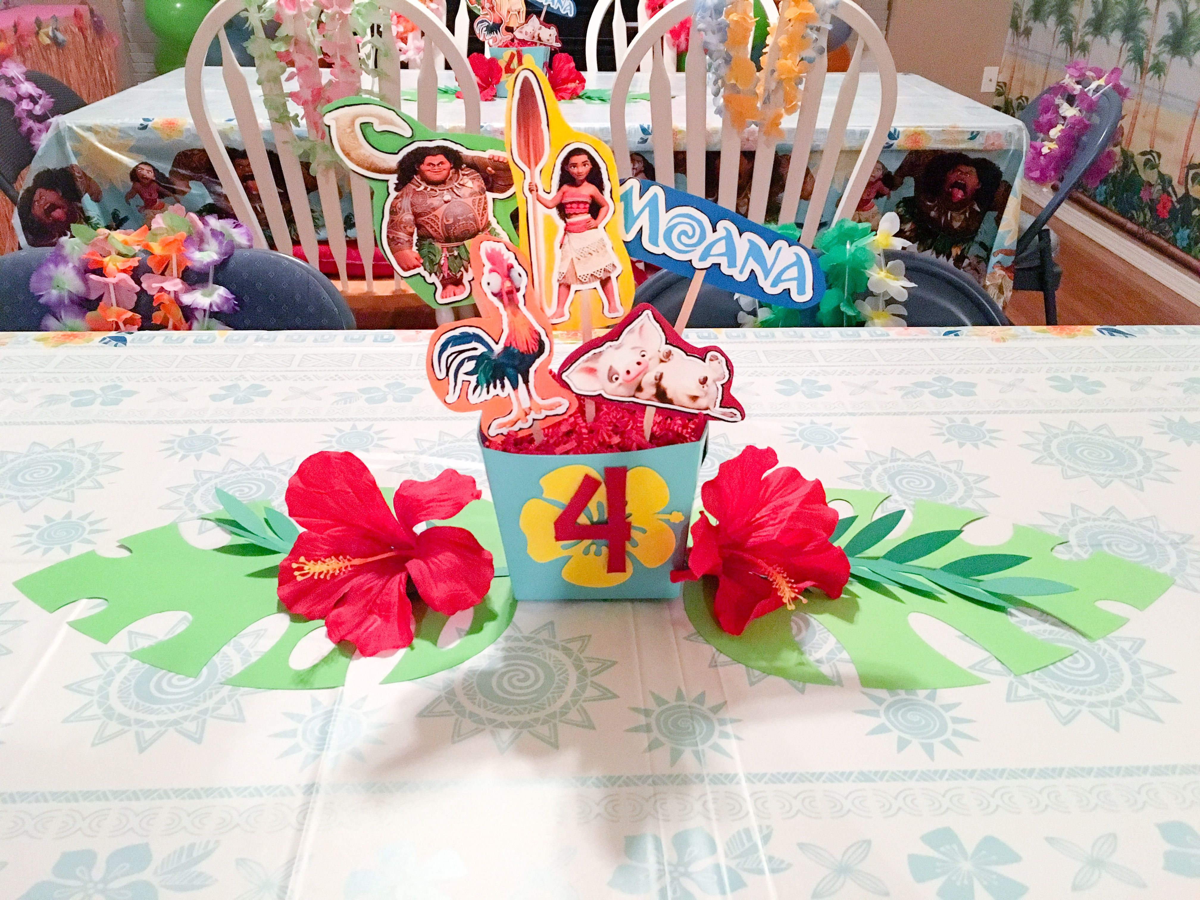 Moana luau birthday party centerpiece party ideas for Number 4 decorations