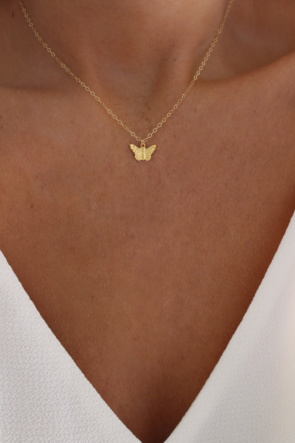 Delicate CZ butterfly Layering Necklace Dainty butterfly Charm Choker Necklace Dangling necklace Gold dangle Minimalist Simple Necklace