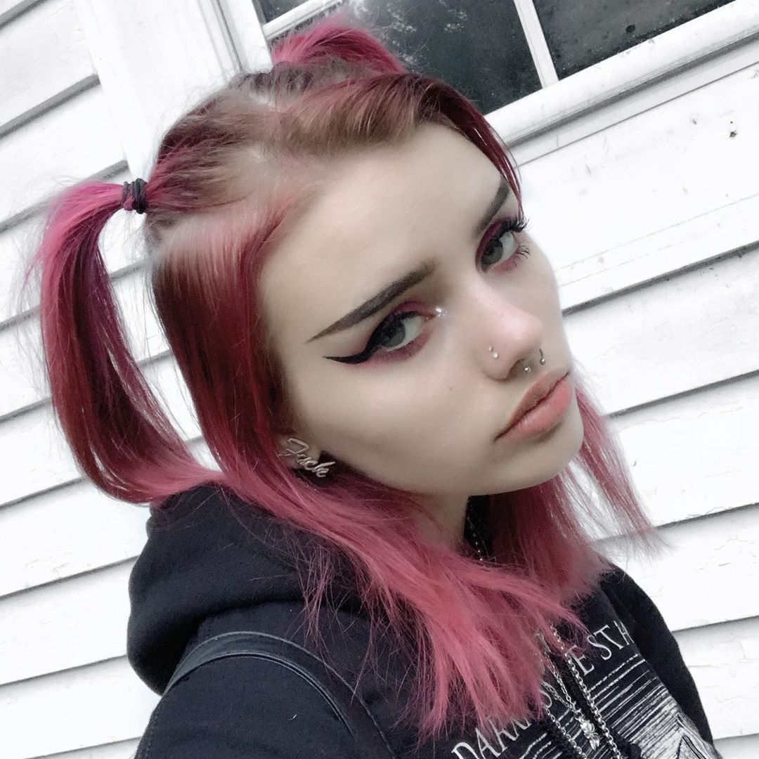 Pink Hair Curly Short Egirl Makeup Aesthetic Grunge Kawaii Girl They Might Be Struggle To Have A Look In 2020 Cool Hair Color Curly Hair Styles Cool Hairstyles