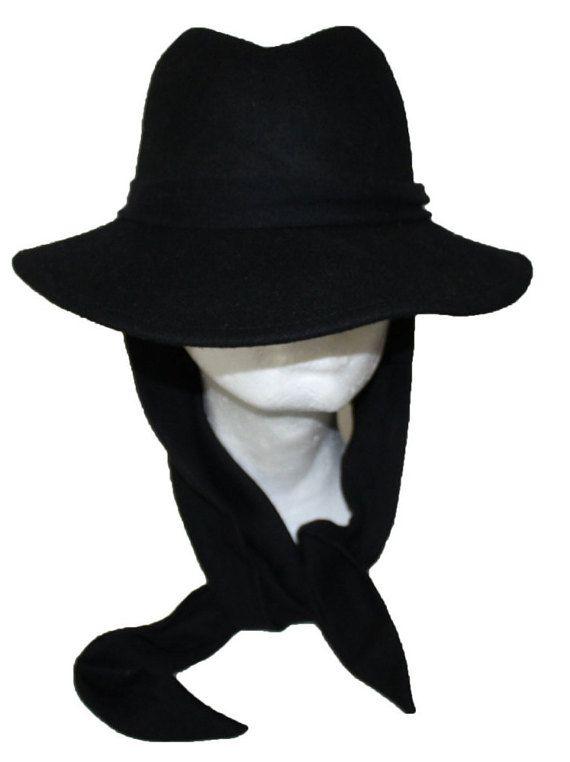 Arena Scarves Black and White Retro Style Bobble Hat