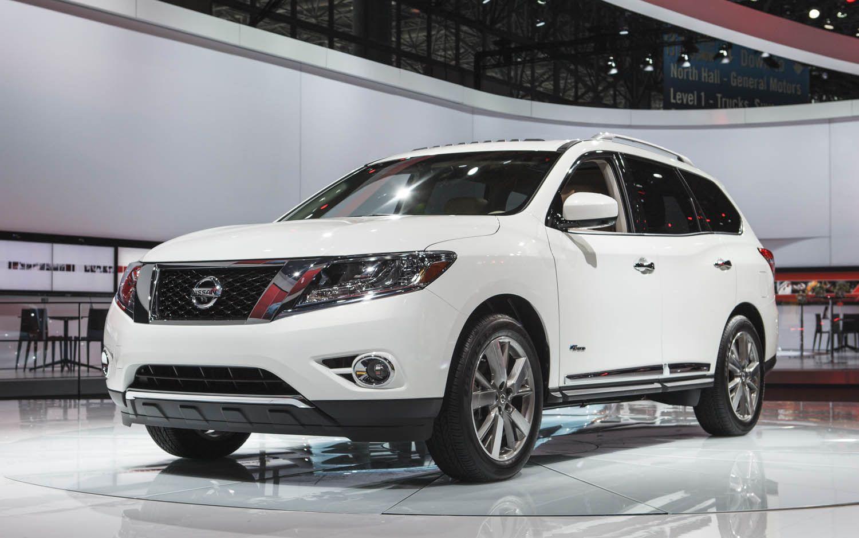 2017 Nissan Pathfinder Hybrid Boasts Supercharged I 4 26 Mpg Combined
