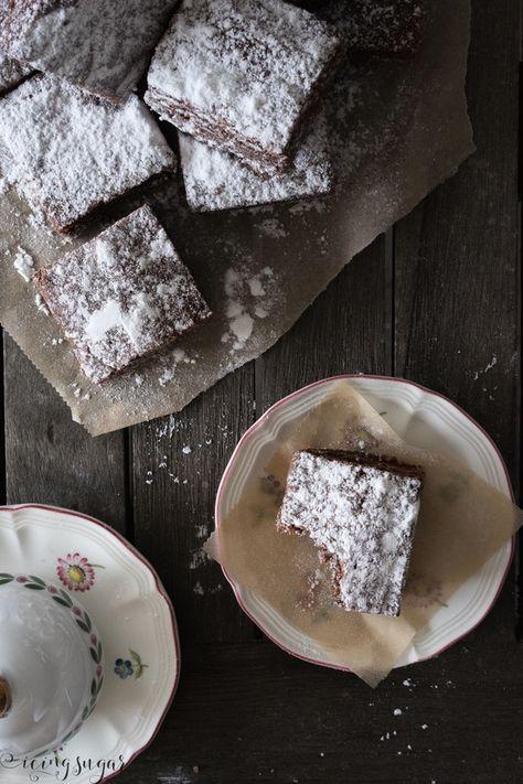 Herrlich malzige, crunchy Ovomaltine Brownies. Super schnell gemacht, die eigentlich mit nur drei Zutaten auskommen ;)