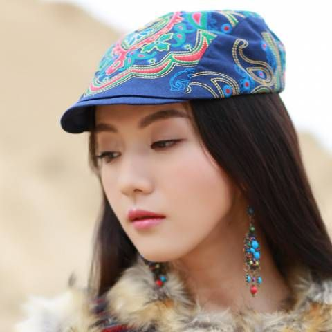 Chinoiserie flower embroidered flat cap for women national style hat