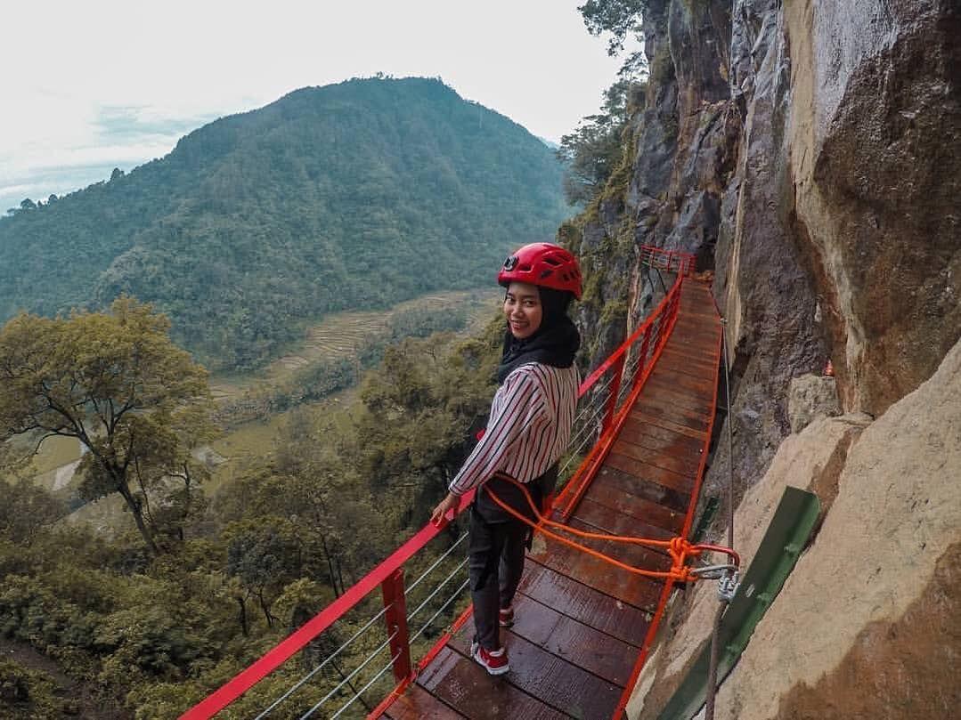 Wisata Gumuk Reco Sepakung Adalah Salah Satu Destinasi Wisata Baru Di Jawa Tengah Untuk Dapat Menuju Kemari Wisatawan Dapat Me Di 2020 Pemandangan 10 Februari Tempat