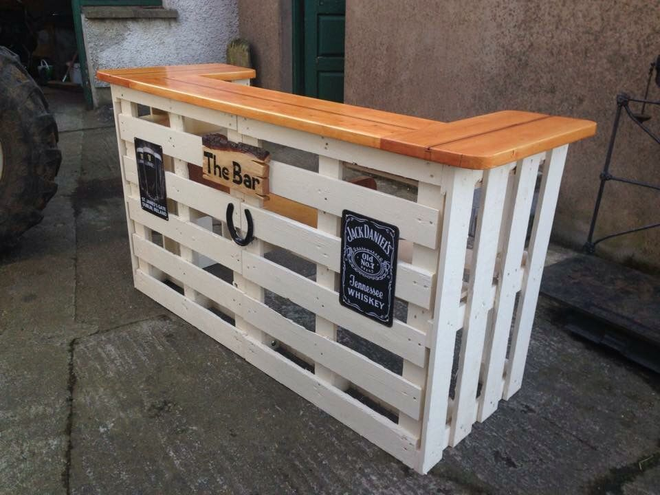 Pallet bar bar and patio ideas pinterest pallets for What to make out of those old wood pallets