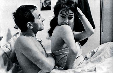 la télévision est un cinéma ou l'on peut aller en restant chez soi (tirez sur le pianiste, Charles Aznavour et Michèle Mercier)