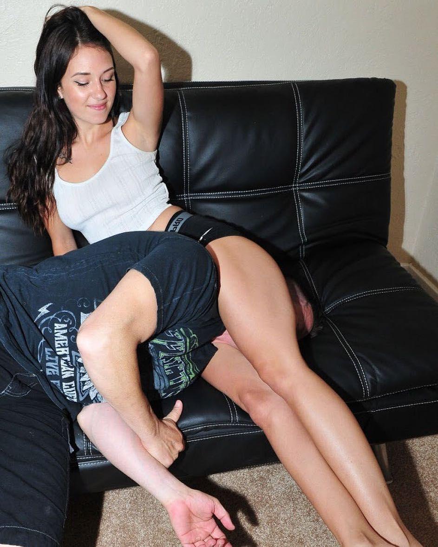 squeeze of the day #headscissors #fitnessgirl #stronglegs