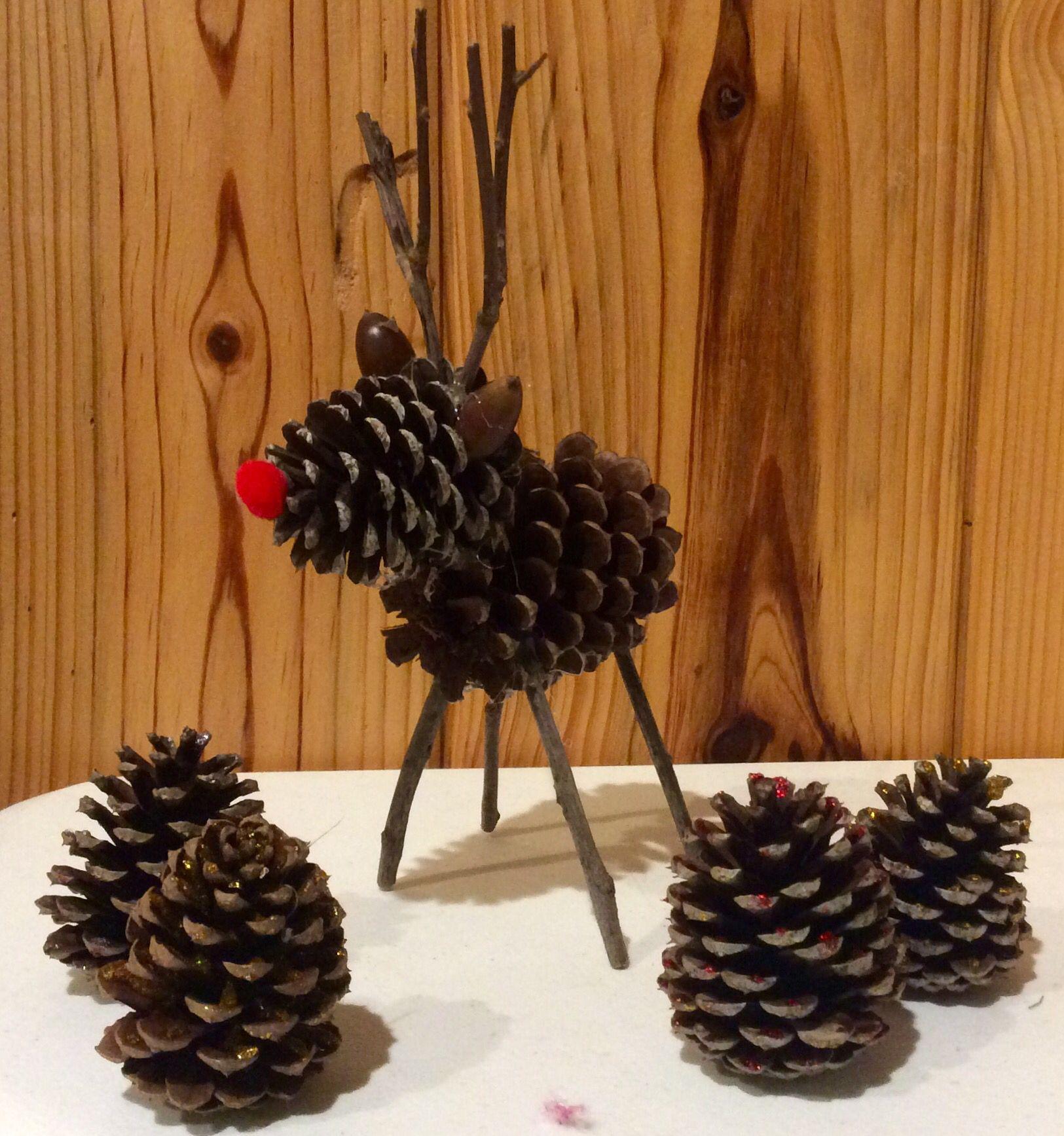 pinecone reindeer pine cones pine cone crafts reindeer craft christmas crafts. Black Bedroom Furniture Sets. Home Design Ideas