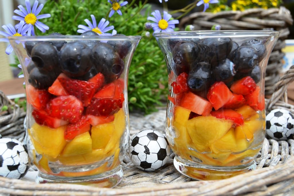 Kuchen Deutschland Flagge Obstsalat | Dessert | Soccer Party, Party Snacks, Finger Foods