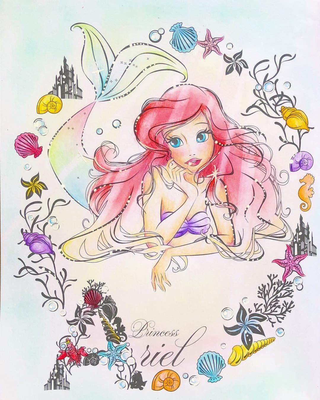 大きさがおかしかったのでサイズ変更しました 先程いいねくださった方すみません 久しぶりに塗り絵できました アートぬりえをセリアで購入できたのでサクッと 相変わらず色薄めです 大人の塗り絵 塗り絵 C Disney Princess Drawings Disney Artwork Disney