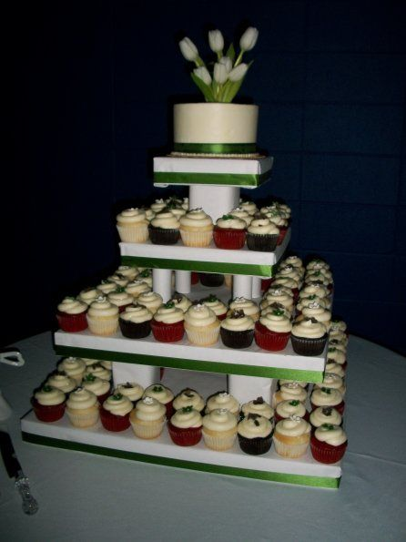 Instead Of Having A Wedding Cake New Trend Is Many Cupcakes