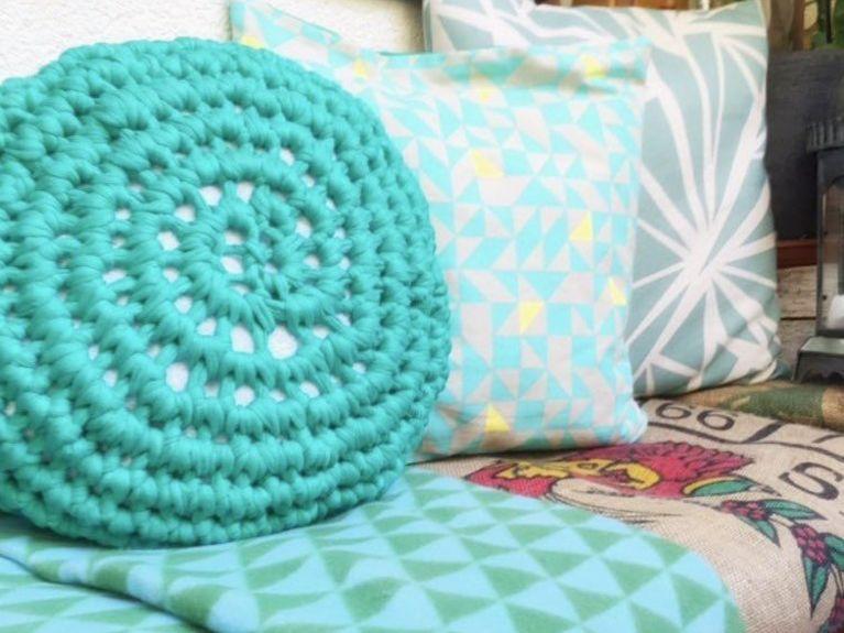 Tutoriel Diy Réaliser Un Mini Pouf En Trapilho Au Crochet Via