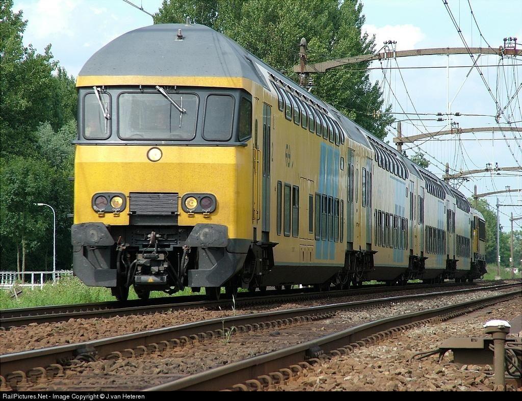Nederlandse Spoorwegen - at Dordrecht, Netherlands by J.van Heteren