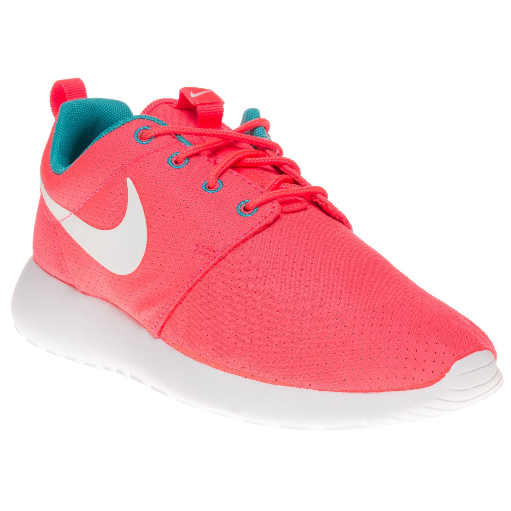 0b752563824 Nike Roshe Run Trainers - Women - SOLETRADER