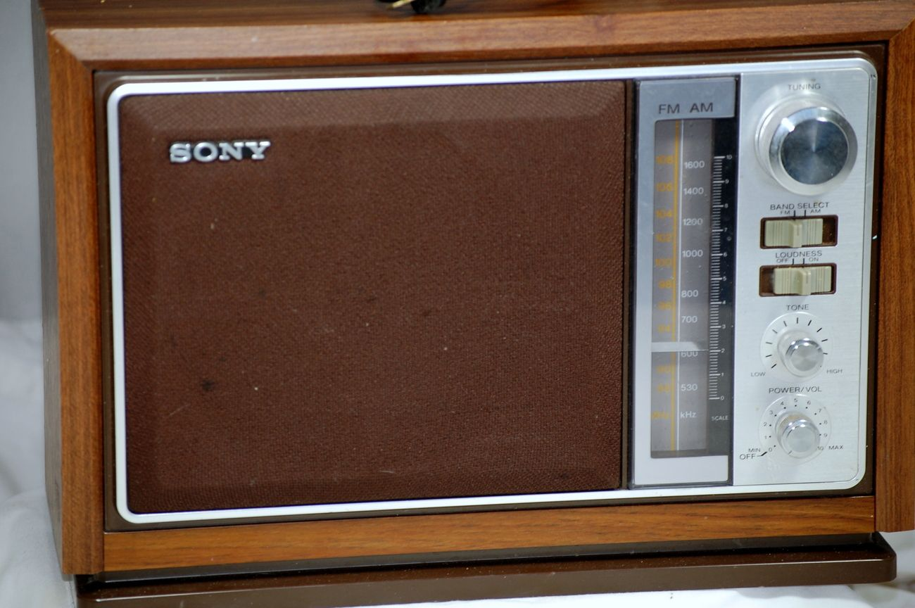 Vintage 1970 S Sony Am Fm Table Top Radio Model Icf 9740w