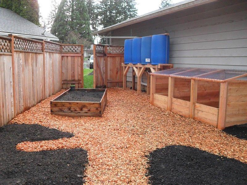 I like the setup with compost bins an rain catchment | Garden ...