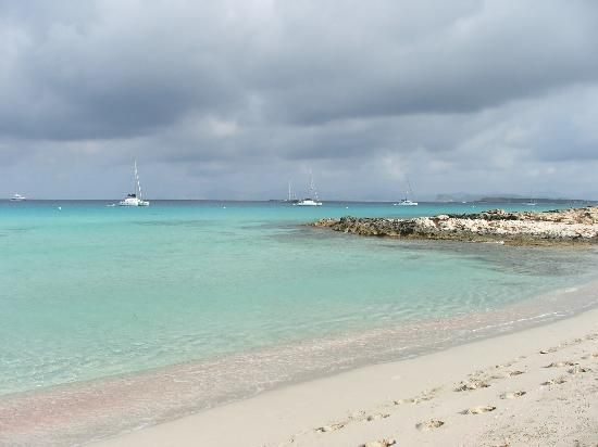 playa de ses illetes nearest airport