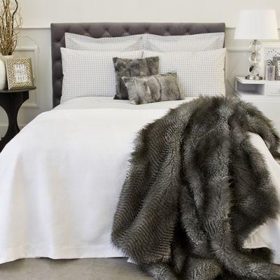 couverture en fausse fourrure zara home plaid home. Black Bedroom Furniture Sets. Home Design Ideas