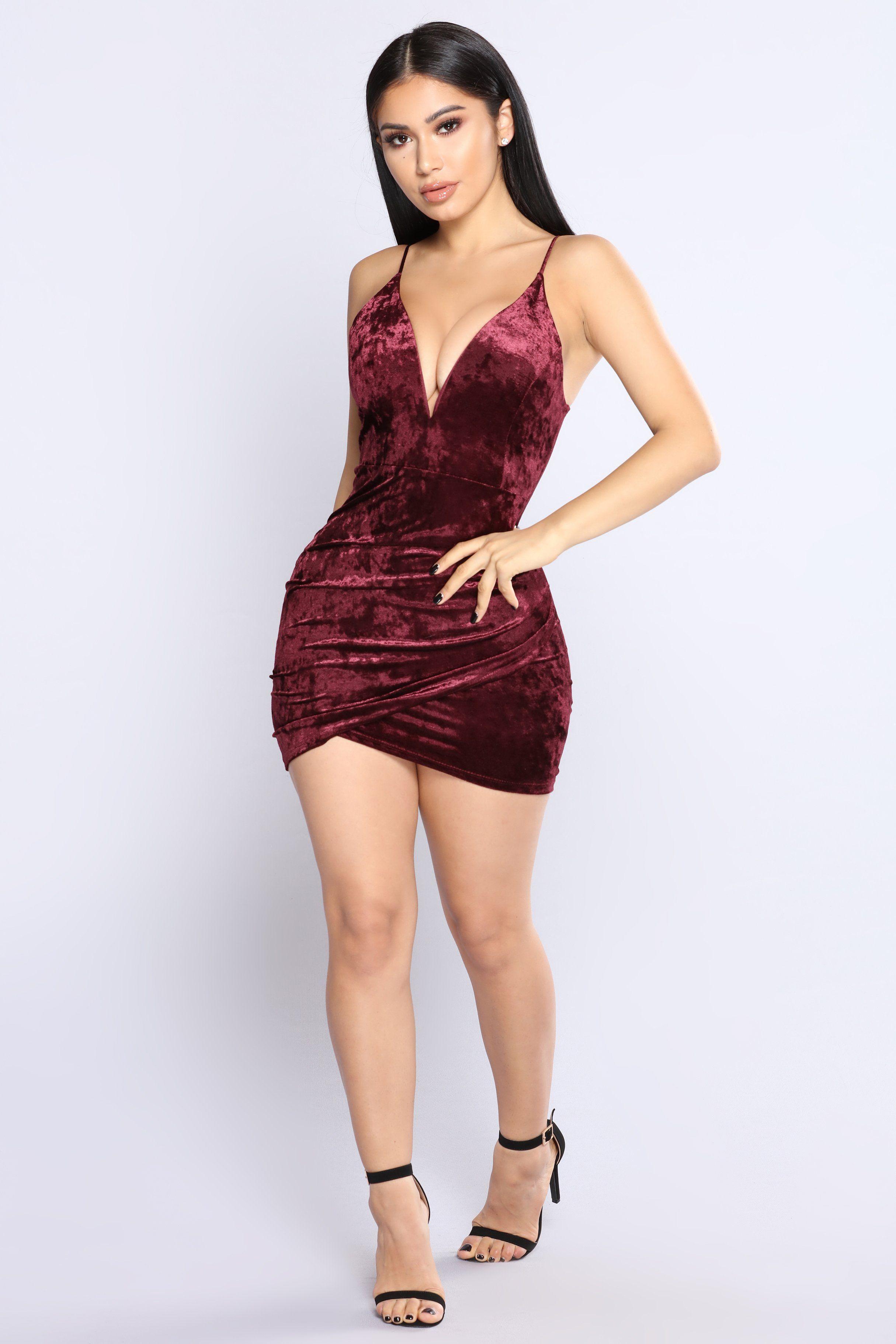 Pin De Jaime Poblete En Modelo En 2019 Vestidos Velvet