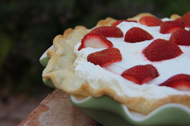 Strawberry-Banana Pie Recipe #bananapie