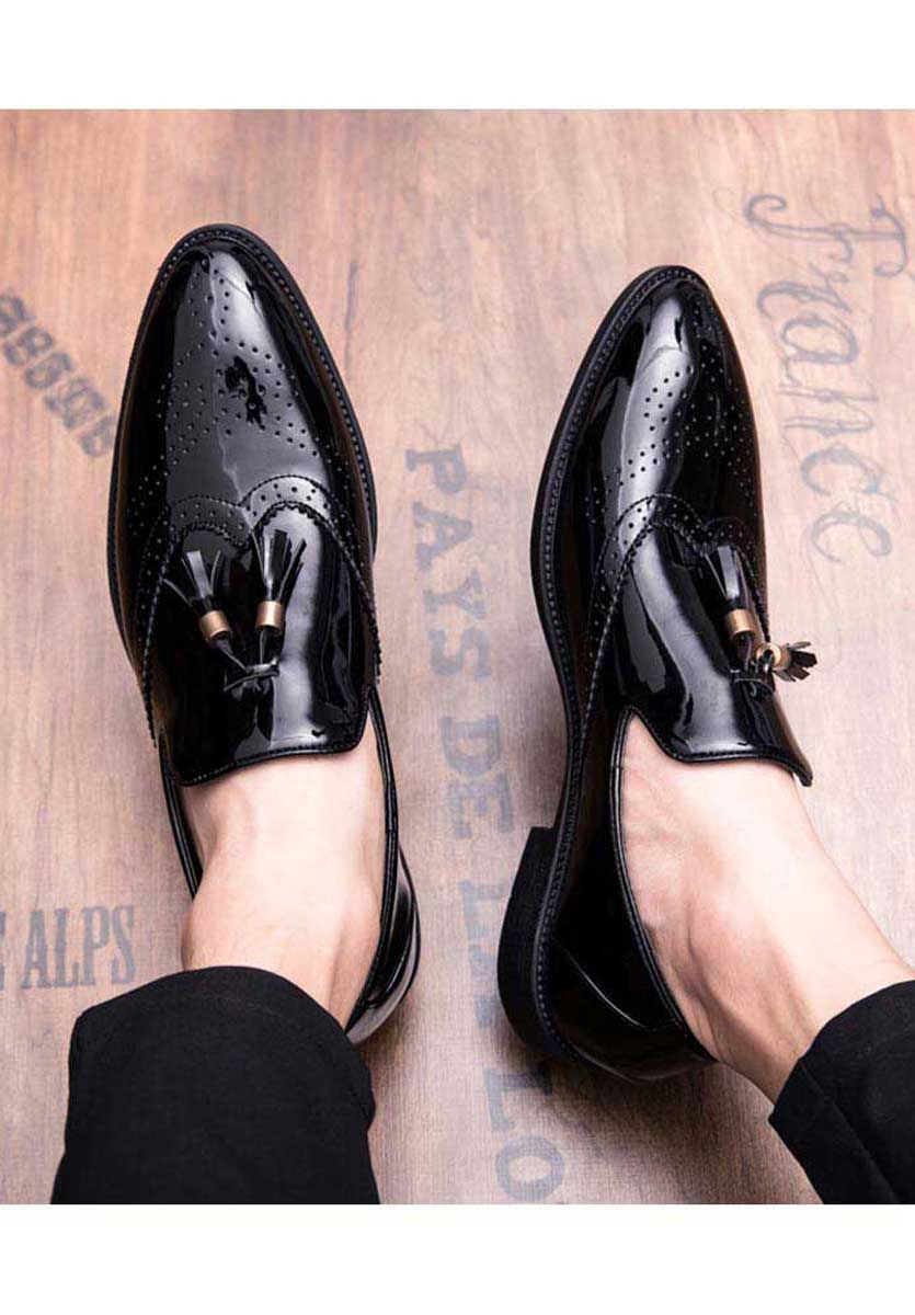 Men S Black Patent Leather Slip On Brogue Dressshoes With Tassel On Vamp Point Toe Design Casual Leisure Dress Shoes Men Slip On Dress Shoe Gents Shoes [ 1200 x 835 Pixel ]