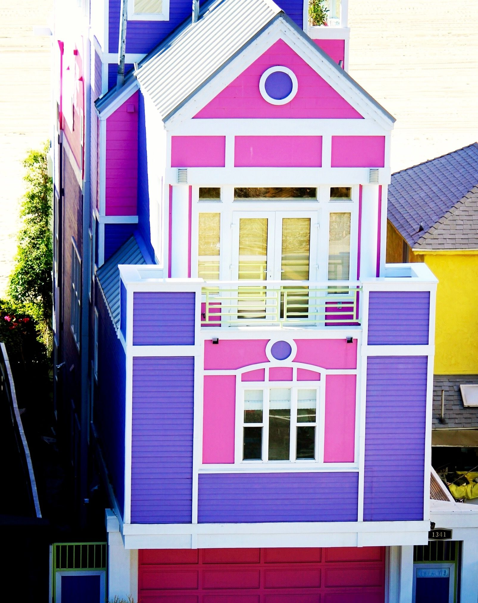 Goaltaca House Of Ruth Handler The Founder Barbie In Santa Monica