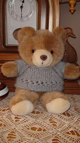 Free Crochet Pattern for an Amigurumi Teddy Bear in a Sweater ... | 500x281