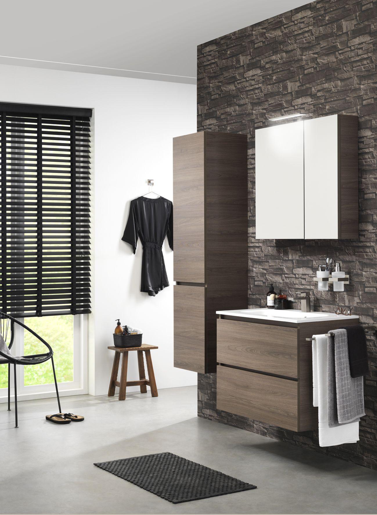 detailfoto spiegelkast Loft. Kleur: chalet eiken | badkamer ...