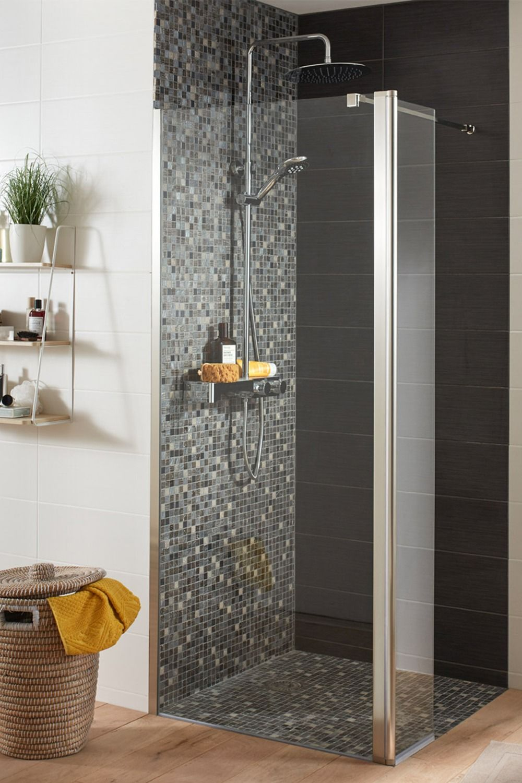 Vasque D Angle De Salle De Bain une salle de bains ultra design avec un sèche-serviettes