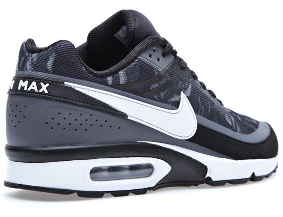 Nike Air Classic Bw Prm Tapee 4 With Images Kicks Shoes Nike Air Nike Shoes Jordans