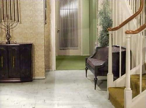 Studio set image floor for one home tv foyer home - Rooms to go living room set with tv ...